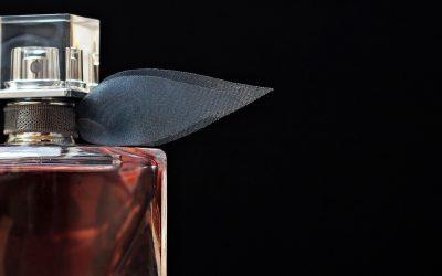 Come si sceglie un profumo? Ce lo spiegano le esperte di Mouillettes & Co