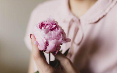 I 10 atteggiamenti (tipicamente femminili) anti savoir-faire